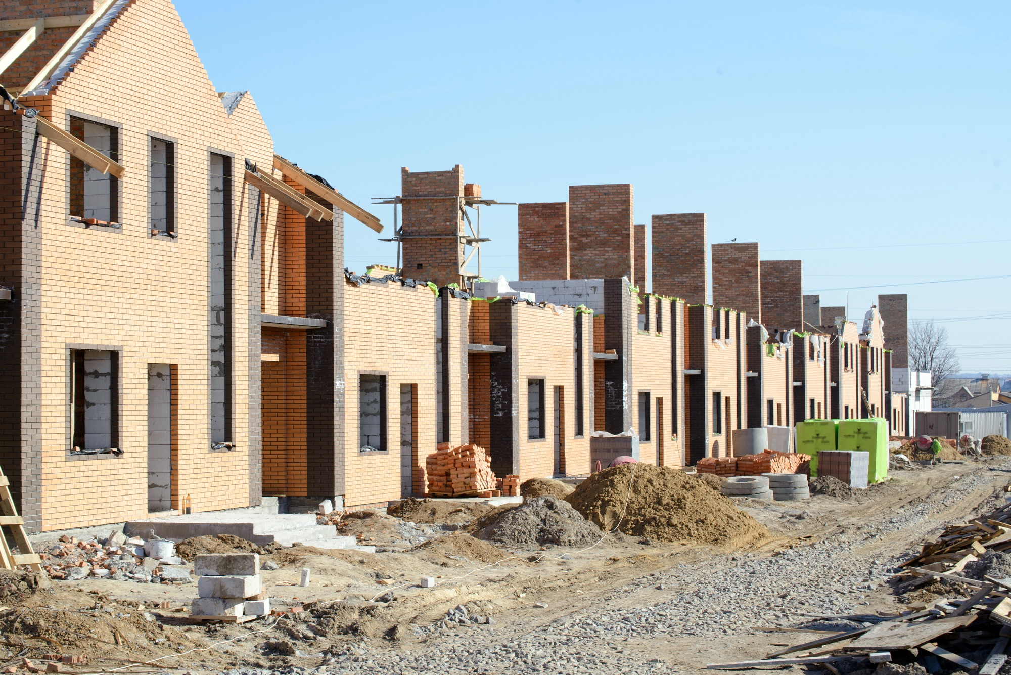 SS_Newly built homes in a residential estate